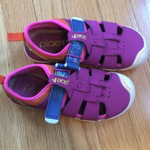Plae. Size 13 girls